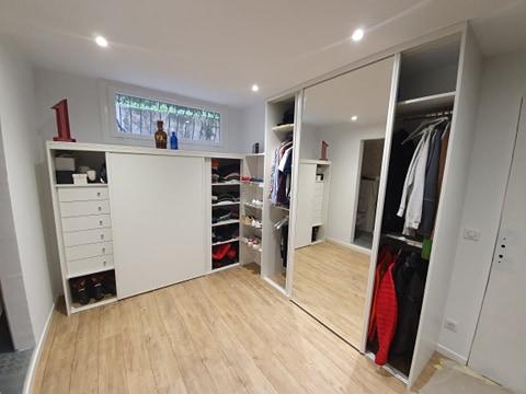 Dressing sur mesure, portes coulissantes en miroir et bois 1 - Nice BMC Placards