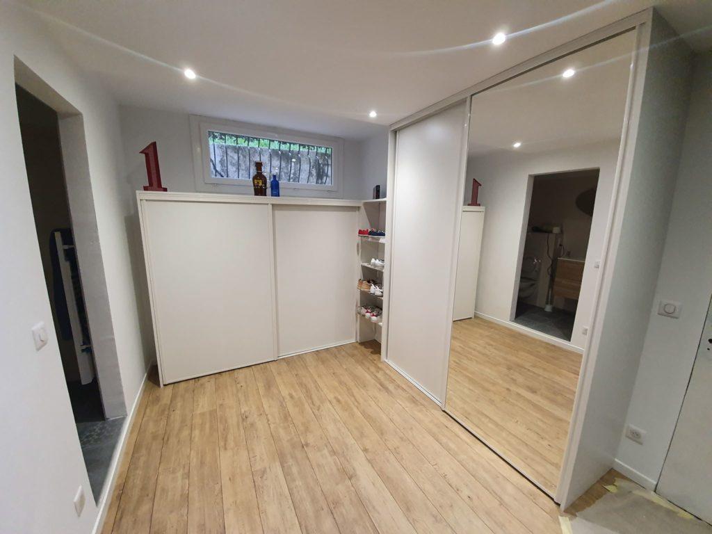 Dressing sur mesure, portes coulissantes en miroir et bois 2 - Nice BMC Placards
